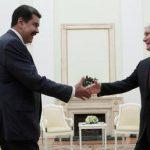 Maduro antoi Putinille replica-miekan