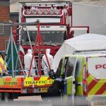 Britannian Essexistä, löytynyt 39 ruumista rekka-autosta, murhasta epäilty pidätetty