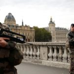 Pariisin poliisipuukottaja oli kääntynyt islaminuskoon