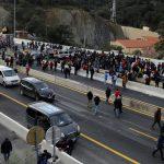 Katalonian itsenäisyyttä vaativat mielenosoittajat tukkivat Espanjan ja Ranskan tärkeimmän tieyhteyden