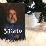 Joululahjavinkki ja kirja-arvostelu: Juha Miedon elämäkerta on nimensä veroinen - mieto
