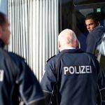 Saksassa yli 28 000 turvapaikanhakijaa haki statusta uudestaan karkoituksen tai poistumisen jälkeen