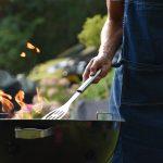 Suomessa syödään kesällä 60 miljoonaa pakettia grillimakkaraa