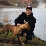 Verkkohäirinnän uhriksi valikoituu usein julkisuuden henkilö - Joni Virtanen on oppinut kohauttamaan olkiaan uhkauksille