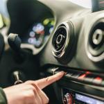 Uusi suurtutkimus: Lähes joka kolmas suomalainen ostaisi auton käymättä autoliikkeessä