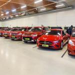 Automyyjä paljastaa millaisia ja minkä hintaisia autoja suomalaiset ostavat nyt lahjaksi – sekä kuinka välttää ikävät lisäkustannukset lahja-autoa hankkiessa