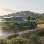 Maailmanensiesittelyssä Porsche Taycan Cross Turismo: uusi malliversio on todellinen sähköurheiluautojen moniottelija