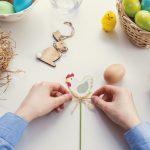 Lemmikille turvallinen pääsiäinen - suklaat, pääsiäiskoristeet ja kukat lemmikin ulottumattomiin