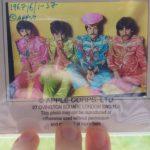 Lempäälässä huutokaupataan roskiksesta löydettyjä harvinaisia The Beatles -yhtyeen diakuvia.