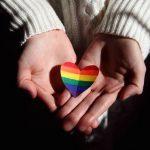 Helsinki Pride juhlii ihmisoikeuksien moninkertaisia merkkipaaluja – viikon teema ja virtuaalikulkue muistuttaa vielä tehtävästä työstä