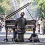 Viikon musiikkiuutisissa kunnianosoituksia, kuumia uutuuksia ja muita kummallisuuksia
