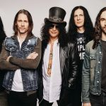 Slash julkaisee sooloyhtyeensä kanssa ensimmäisen kappaleen tulevalta albumilta – kuuntele The River Is Rising